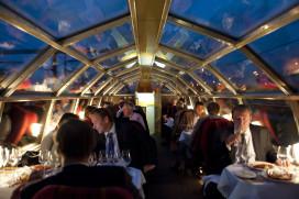 Dineren in rijdende historische trein vanuit Amsterdam