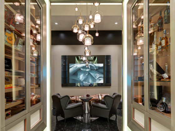 Ground floor cigar room 3 560x420