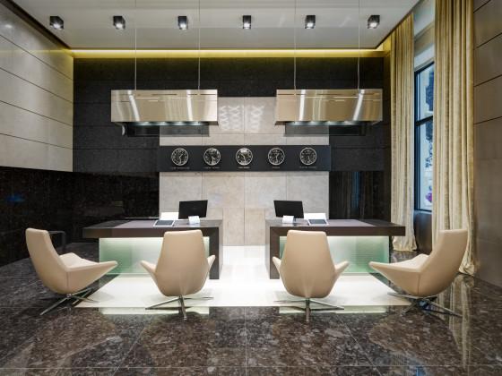 Ground floor main reception hall 560x420