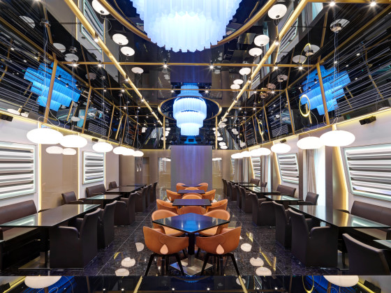 Restaurant 7th floor 3 560x420