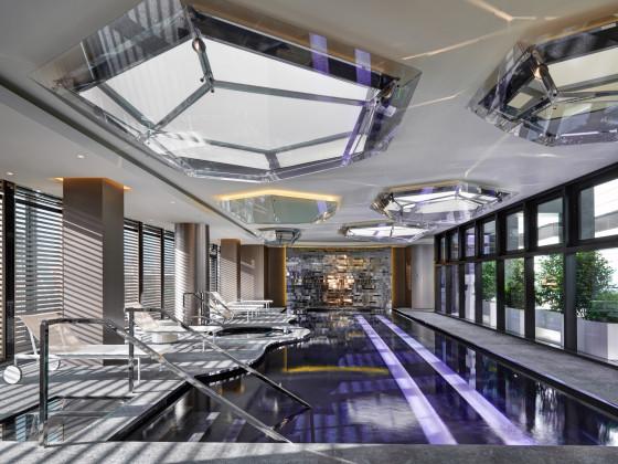 Spa swimming pool 2 560x420