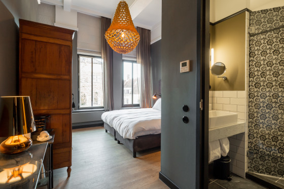 Hotelkamer 001 560x373