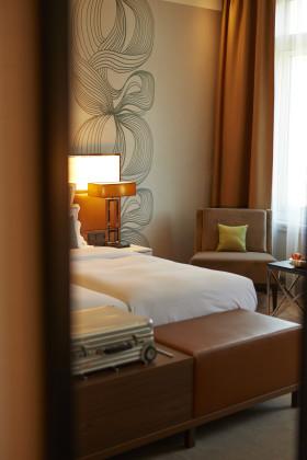 17 hotel reichshof hamburg curio collection by hilton zimmer joi design 280x420