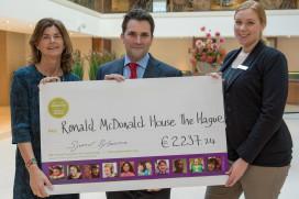 Ronald McDonald Huis ontvangt ruim €2000 van Hilton The Hague