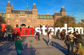 Amsterdam ontdekt 11 illegale hotelboten