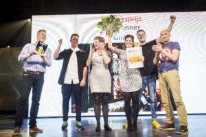 Het team van The Banner tijdens de winst van de Publieksprijs vorig jaar.