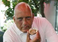 Herman den Blijker opent oesterseizoen