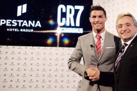 Christiano Ronaldo opent hotel in Lissabon