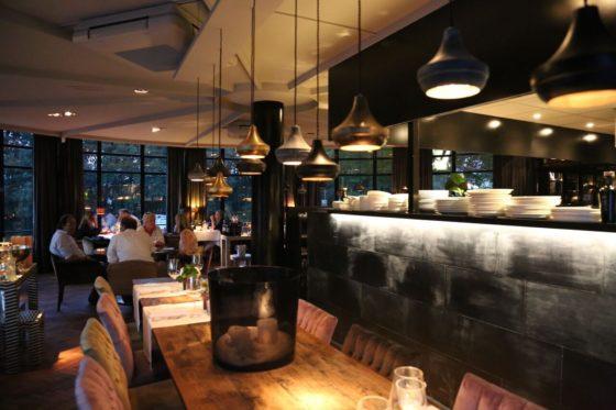 Restaurant met open keuken 560x373