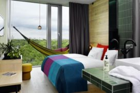 Accor koopt 30 procent belang in 25hours Hotels