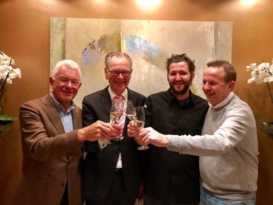 V.l.n.r. Cees Helder, Peter Bruins, Menno Post en Dennis Kuipers. Post is geslaagd voor SVH Meesterkok.
