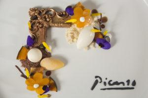 Tonny Berentsen: 'Dessert om in te lijsten' met mousse van pure chocolade met pompoen, zwarte kardemom en sorbet van gemberbier.