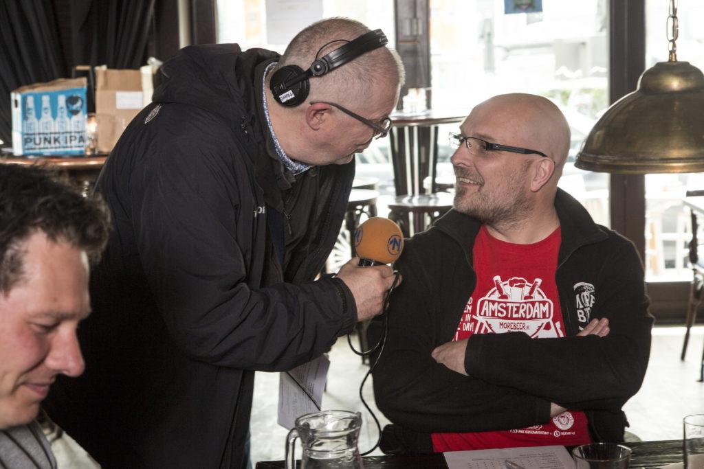 Juryvoorzitter Peter van der Arend staat RTV Noord te woord., foodpairing