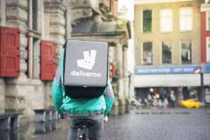 Amazon investeert met partners 575 miljoen in Deliveroo