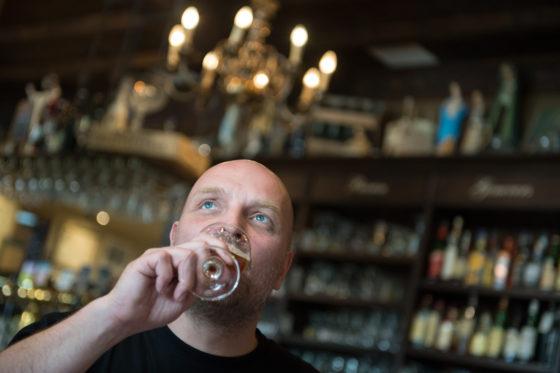 Peter van der Arend verandert concept en naam café