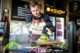 Ad van Geloven-award van Cafetaria Top 100 2017 voor De Snackbar Lunch and Dinner