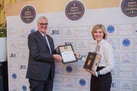 Liz Barents (21) wint Nationale Hennessy Gastvrijheidsprijs