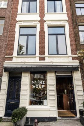 AMSTERDAM - Tartaria Prinz Wolf. FOTO: DIEDERIK VAN DER LAAN
