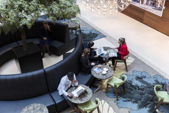 Meeting point atrium 560x373