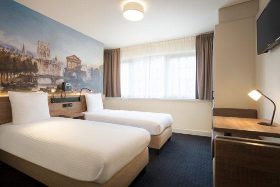 Days inn rotterdam city centre twin room 12647811 560x373