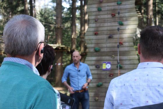 Bert van Zijtveld vertelt over de aanleg en de functie van zijn klimbos.
