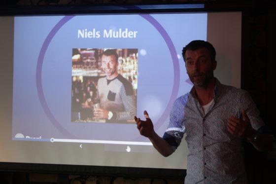 Mulder deelt zijn visie op ondernemen en geeft tips en adviezen aan zijn gasten van de Mobiele Horeca Training.