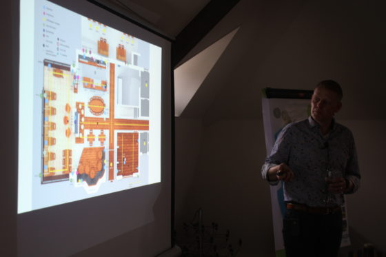 presenteert ondernemer Rob Porskamp zijn plannen als alles volgens planning per 1 mei opent.