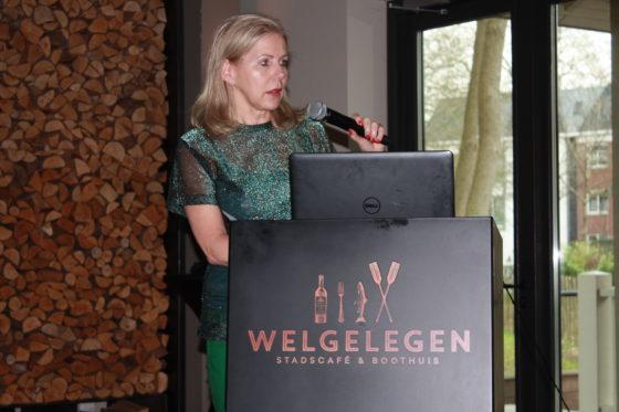Claudia Wellink, eigenaresse, vertelt.