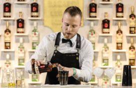 Eric van Beek van Bar TwentySeven wint Bacardi Legacy Cocktail Competitie