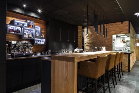 Amarone bar met open keuken 560x373