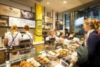 NS doet stationsrestaurants Smullers, Broodzaak en Starbucks van de hand
