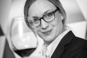 Wijn-werk Lotte Wolf voortgezet door stichting The WineWolf