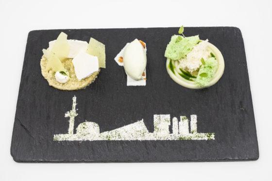 Dessert met de Rotterdamse skyline