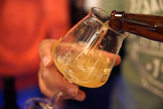 Bieren werden  geproefd in ABT-glazen.