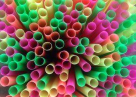 Wegwerpplastic zoals borden, bestek en rietjes worden verboden