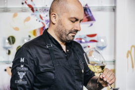 Servais Tielman* van Cucina del Mondo koopt Beluga van Hans van Wolde**