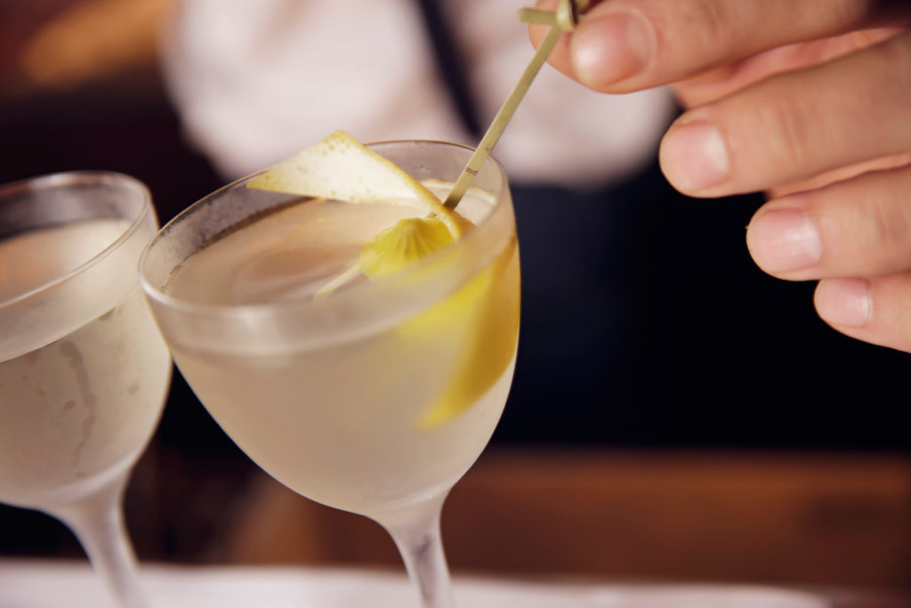 Cocktails van Andrei Talapanescu Head Bartender Pulitzer's Bar