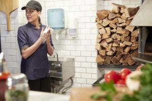 Tork Reflex maakt keukenwerk gemakkelijker en efficiënter