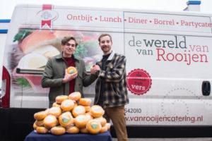 Van Rooijen Catering doneert aan Voedselbank