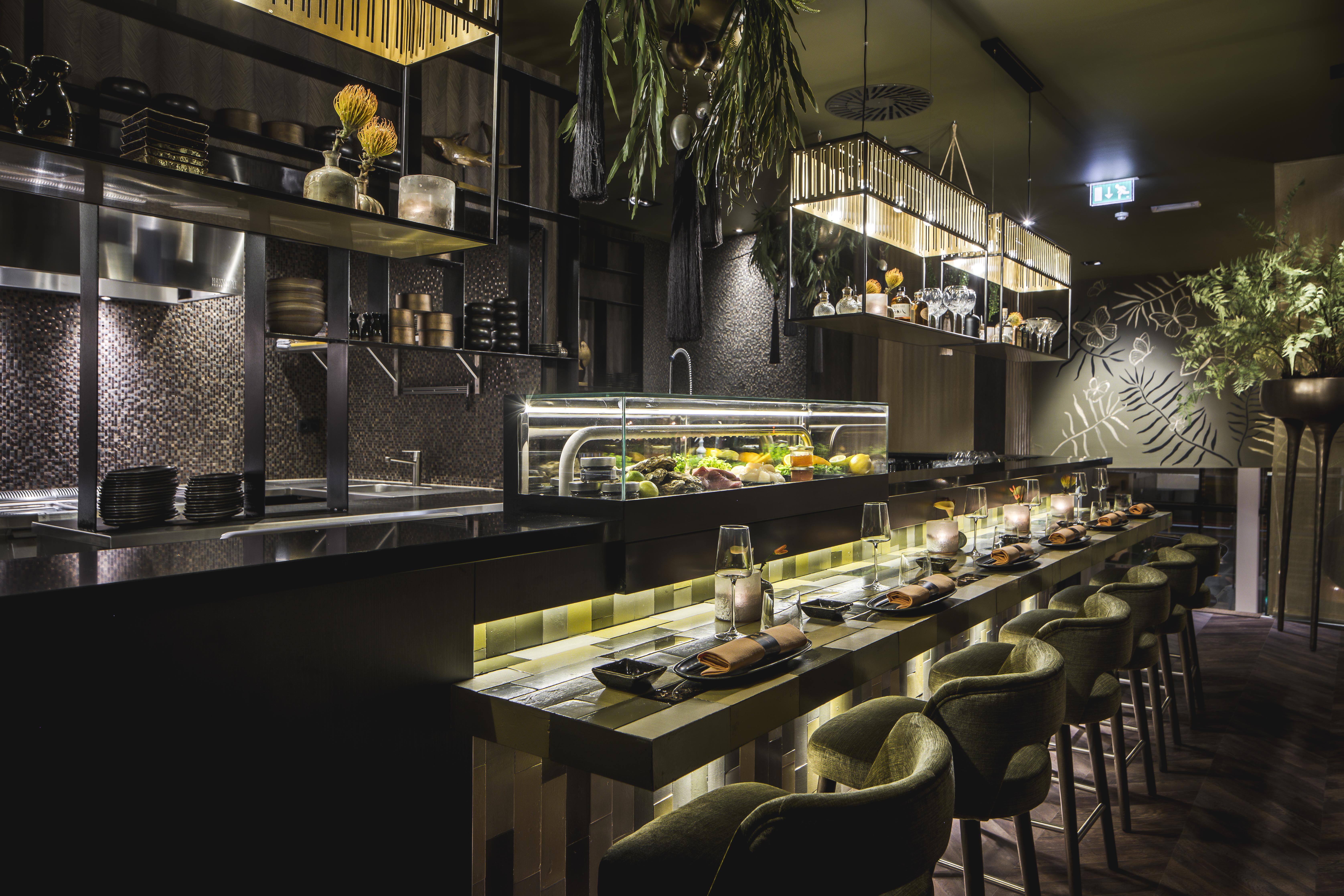 Open Keuken Bar : Horecainterieur aziatische gastrobar tokan in van der valk hoorn