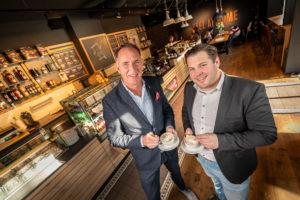 Twents duo neemt Coffee Fellows Nederland over
