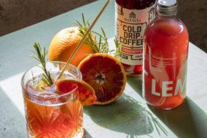 Koffiecocktailrecepten: koffie in the mix met bloedsinaasappel, gin of jenever