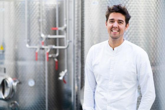 Eerste Nederlandse rumdistilleerderij opent deuren in Amsterdam