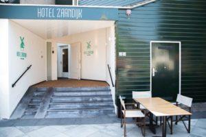 Bomaanslag jaagt gasten uit Zaans hotel