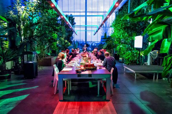 De Veldkeuken: chefs op ontdekkingsreis naar beter eten in de zorg