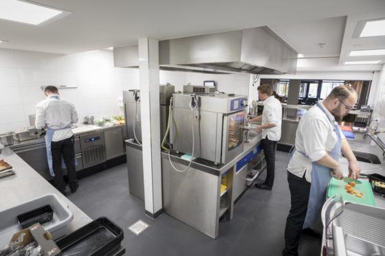 Nieuwe keuken fnidsen alkmaar 016 560x373