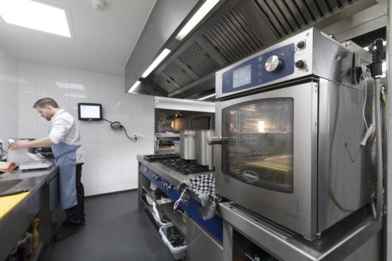 Nieuwe keuken fnidsen alkmaar 064 560x373