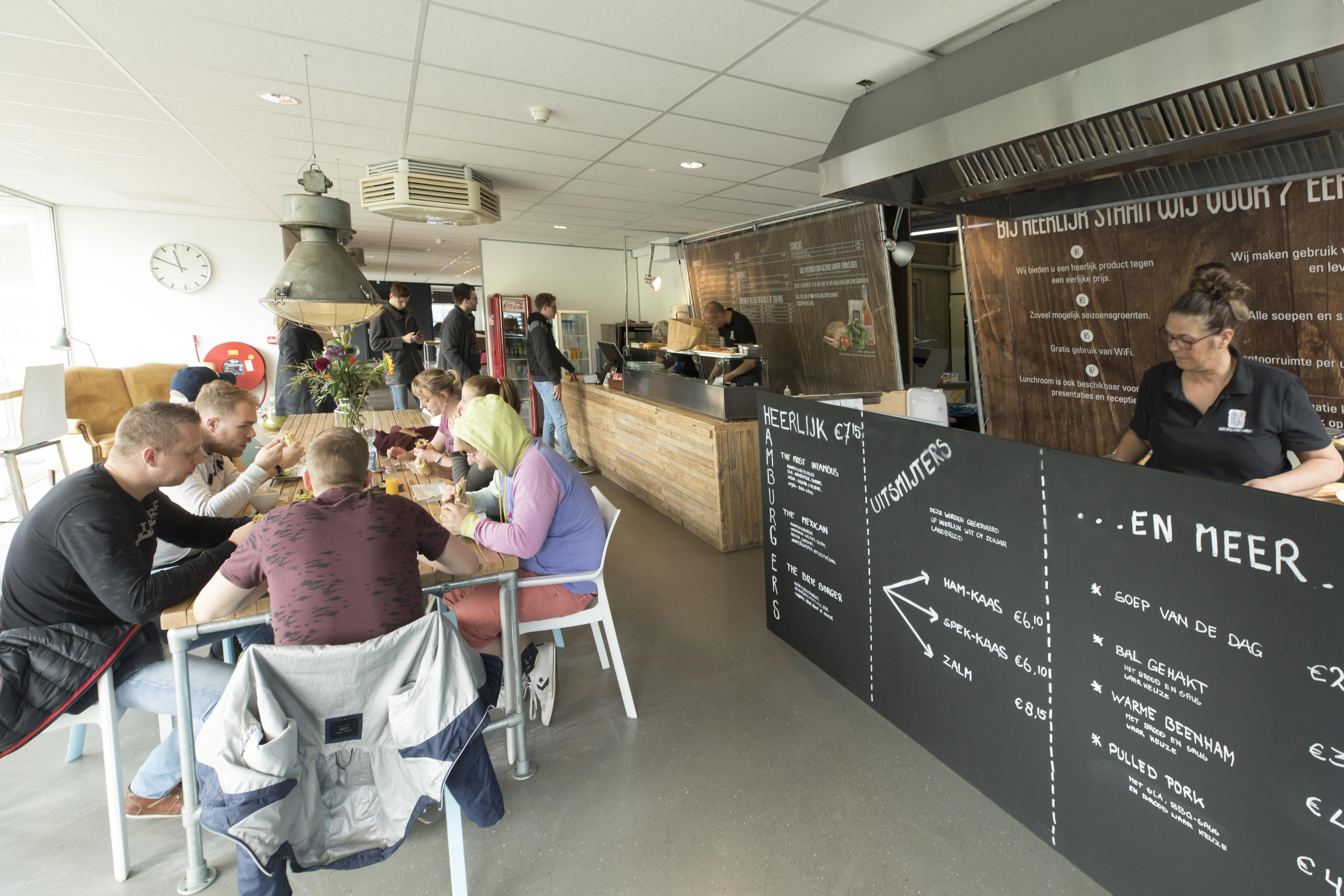 Lunch bezorgen Heerlijk Space bij Winner