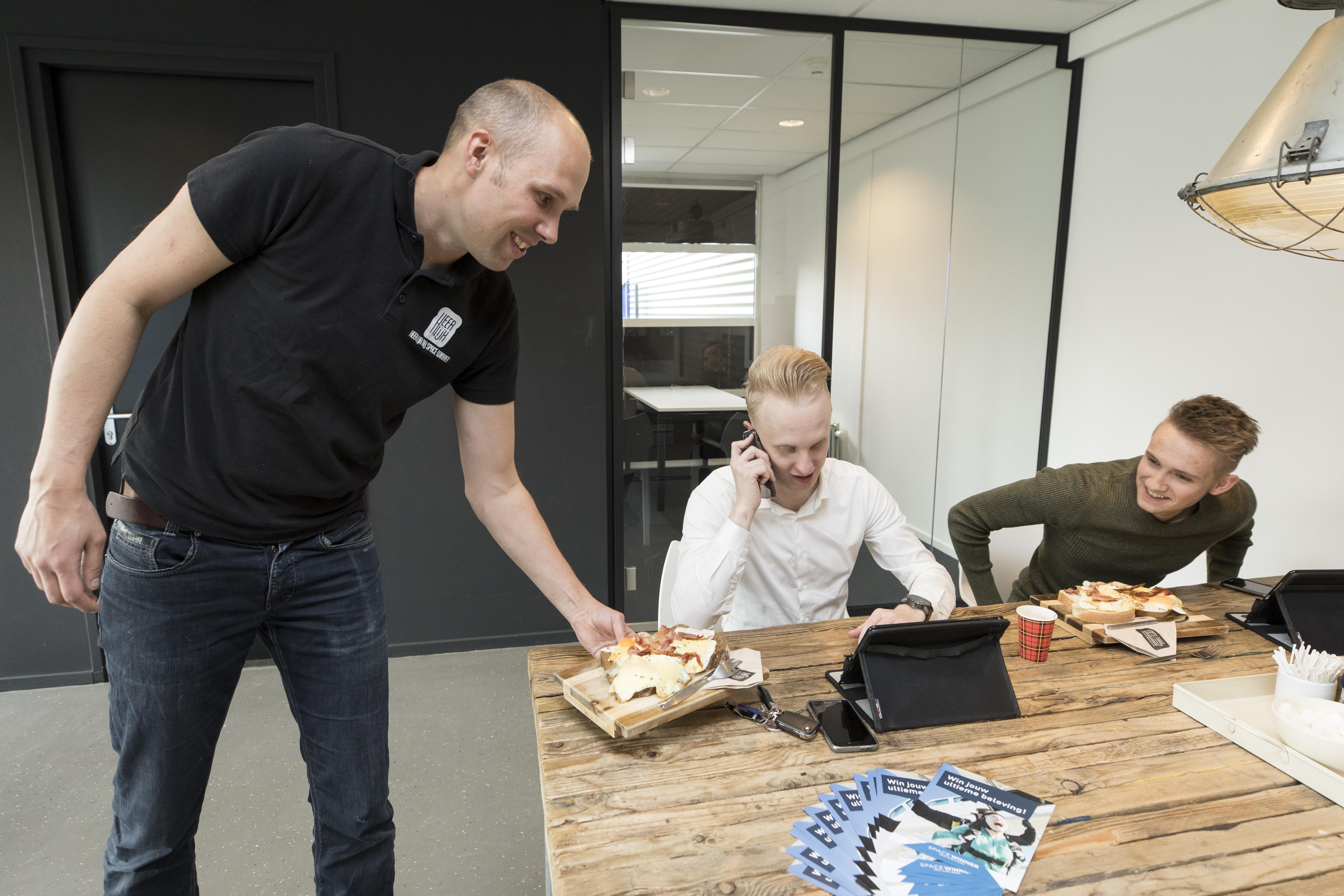 Lunch bezorgen Space bij Winner