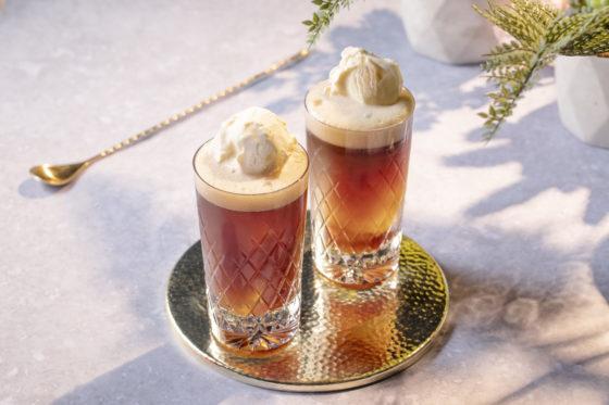Recept koffiecocktail: Vanilla Float met vanille-ijs als topping